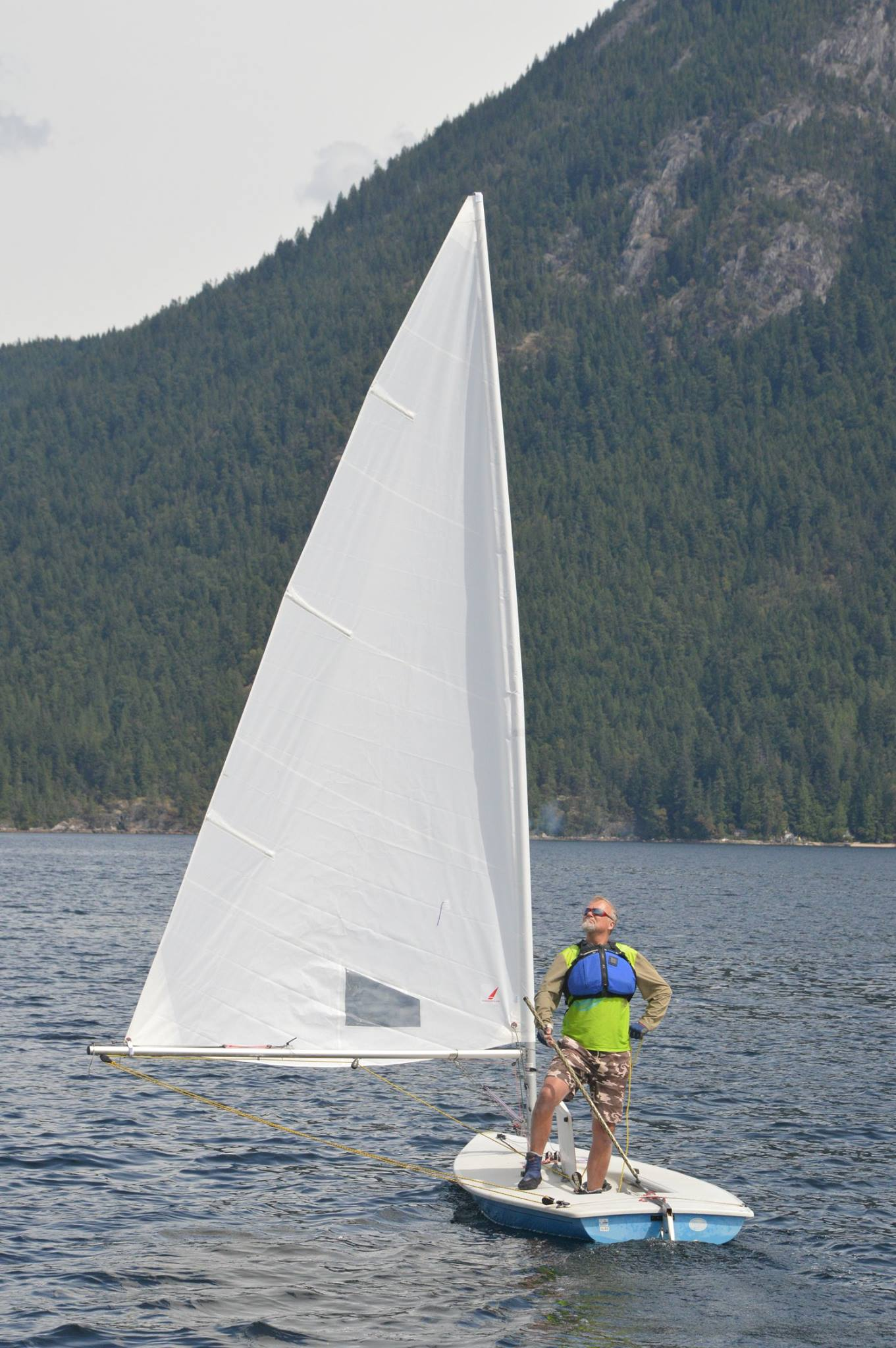 Thomas in light winds with mount richardson in the background.