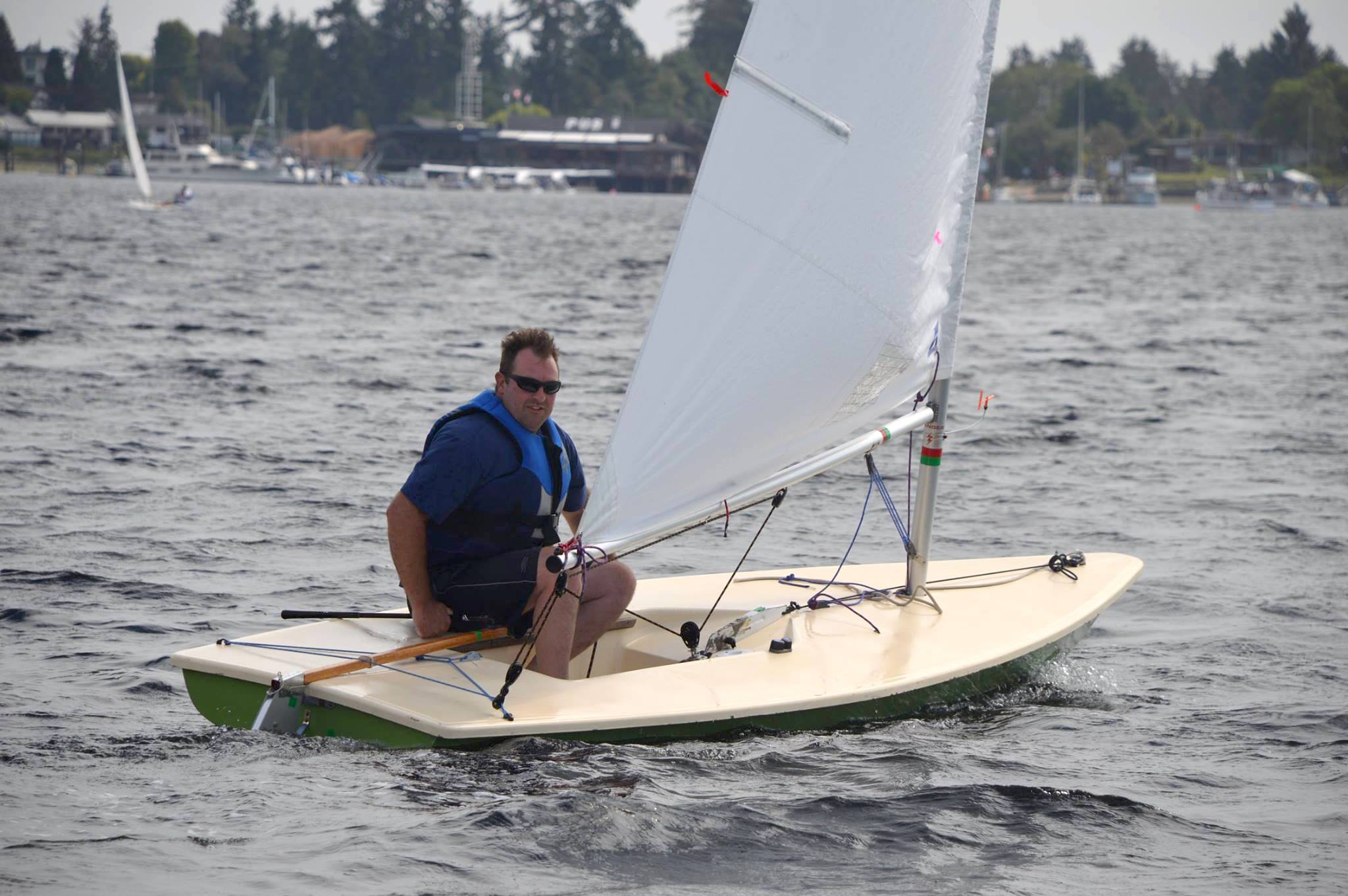 First year Rookie Ken Olson sailing up to the mark
